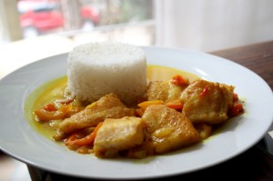Curry de Pescado con Arróz